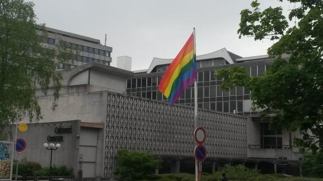 Regenboog te Oudergem - Le drapeau arc-en ciel à Auderghem